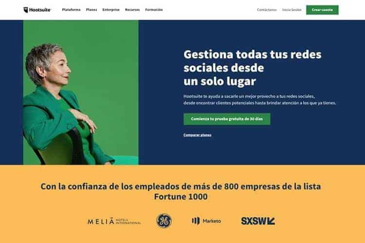 BLOG2WEB. Artículo sobre gestión de Facebook, Twitter, Instagram,... Imagen Hootsuite.